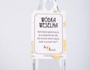zdjęcie zawieszki na alkohol weselny