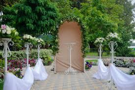 ogród przystrojony na wesele